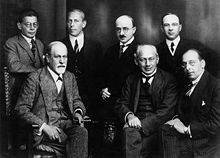 220px-Freud_and_other_psychoanalysts_1922